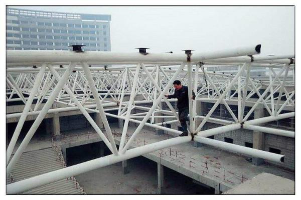 新疆網架鋼結構安裝