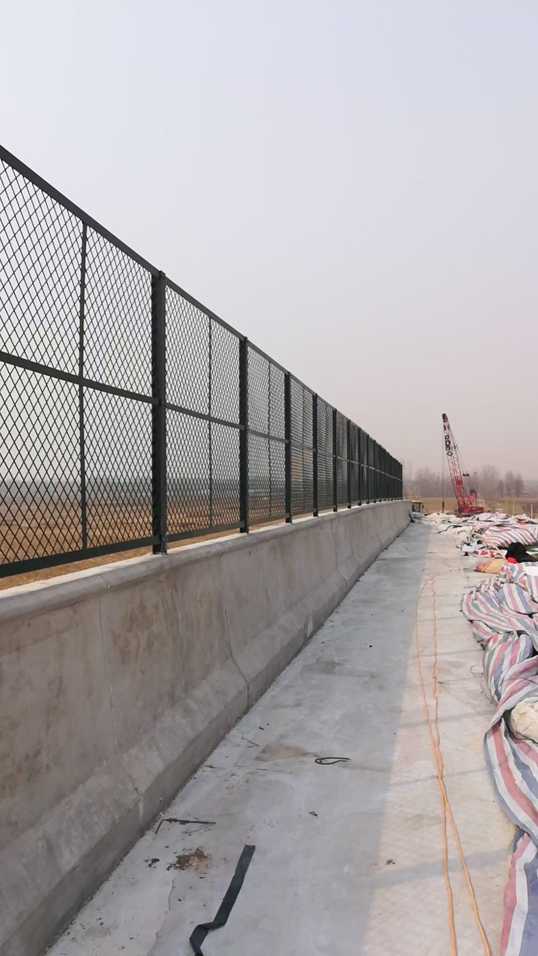 橋欄防護網