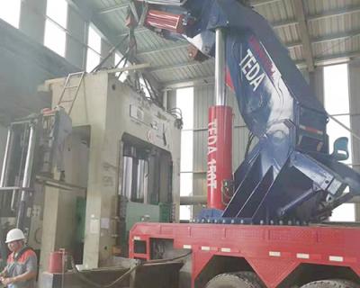 工廠機器設備搬運
