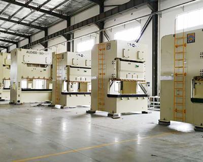 工厂大型设备搬运
